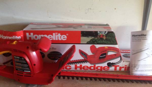 Homelite 17 in. 2.7 Amp Hedge Trimmer - $20 (Cambria)