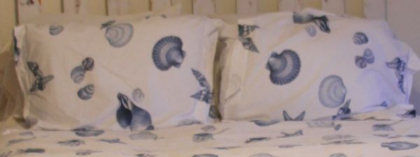 Pottery Barn Queen Size Comforter Cover Pillow Sham Set - $75 (Paso Robles SLO)