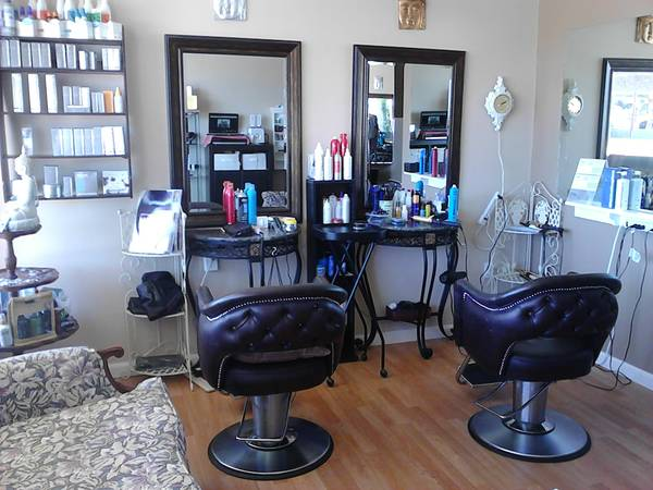 Hair station for rent (Morro Bay)
