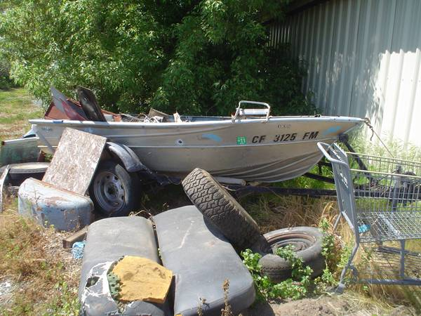 12 foot Valco aluminum fishing boat - $650 (lodi ca)
