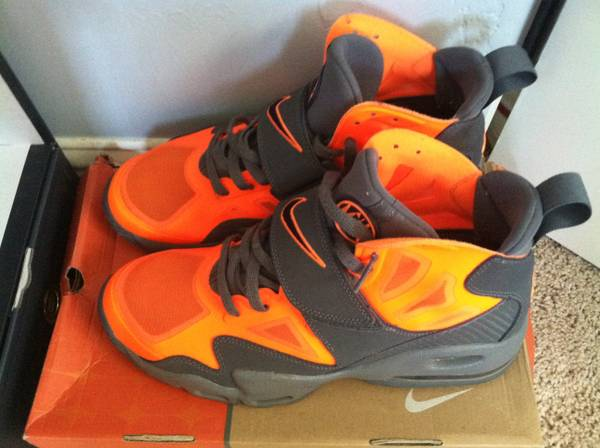 Air Max Express total orange sz 10.5 - $120 (Stockton)