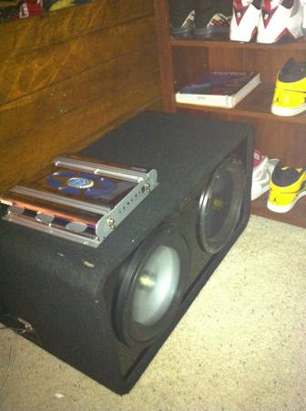 2 12s with ported MTX box,  Gravity,  Kicker - $220 (Stockton ca)
