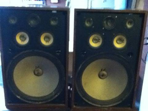 Set of RARE Pioneer CS-911A Home Speakers - $300 (Stockton)