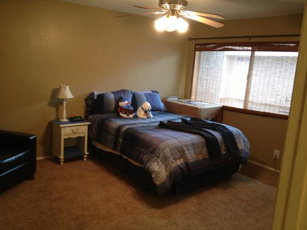- $675 Nice big room for rent $675 (Camarillo)