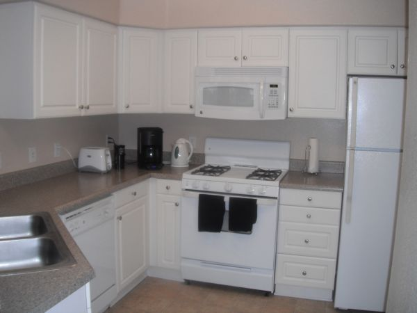 $900 110ftsup2 - Room Available for Rent in Ideal Apartment Complex (Camarillo)