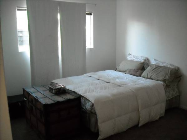 - $500 FURNISHED room for rent, UTILITIES INCLUDED (Camarillo)