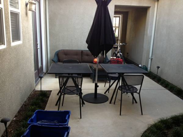 - $1300 Bedroom Available (Oxnard)