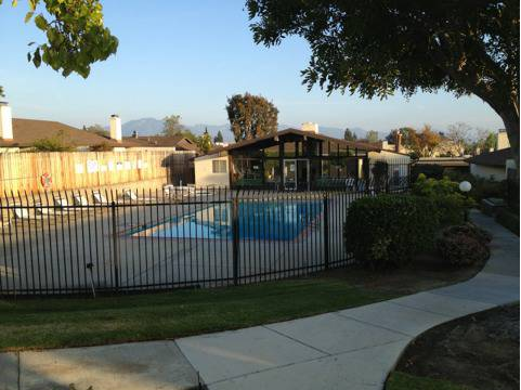 $450 225ftsup2 - Room for rent in modern well kept condo, Close to Fresh and Easy. CSUCI (Camarillo )