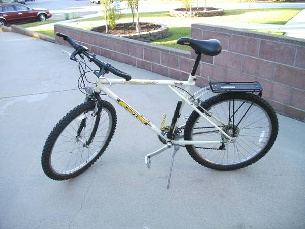 Mens Bike gt GT Outpost Trail gt BARTER Option - $75 (Ventura - near Pacific View Mall)