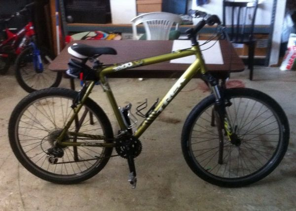 TREK 24 Speed Mountain Bike, Alpha Aluminum 21 Frame (Oxnard, CA)