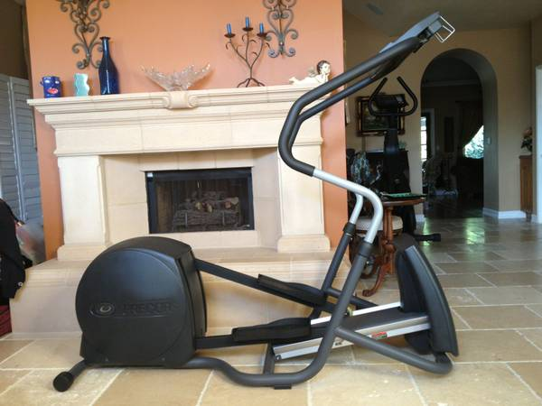 Precor Elliptical EFX 5.21si in Excellent Condition - $695 (Thousand Oaks)