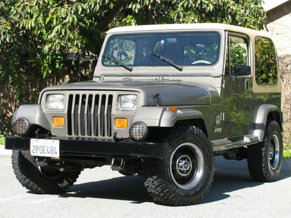 1989 JEEP WRANGLER SAHARA HARD TOP 6-CYLINDER 5-SPEED ONLY 100K MILES - $6990 (IN HOUSE FINANCE TO ANYONE ON ANY CAR)