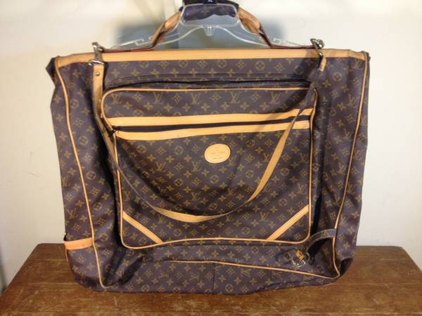 Vintage Louis Vuitton luggage suitdress bag - $150 (Port Hueneme)