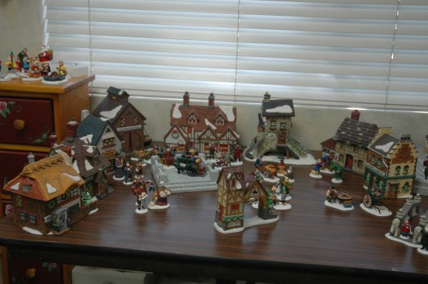 Dept. 56 Retired Villages and Accessories (Simi Valley)