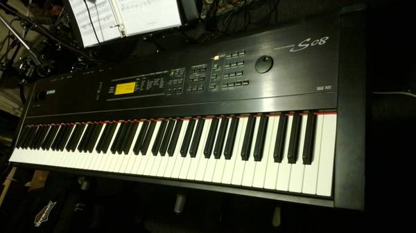 Yamaha S08 Keyboard Synthesizer - $400 (Oak View)
