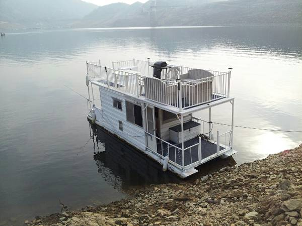 Invest In Your Future Self Contained Houseboat - Must Sell - $8000 (VisaliaKaweah Marina)