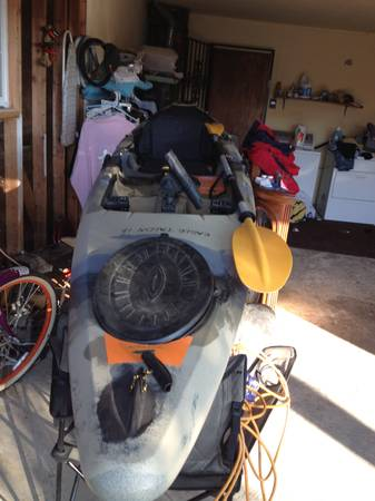 12 eagle talon kayak - $700 (tulare county)