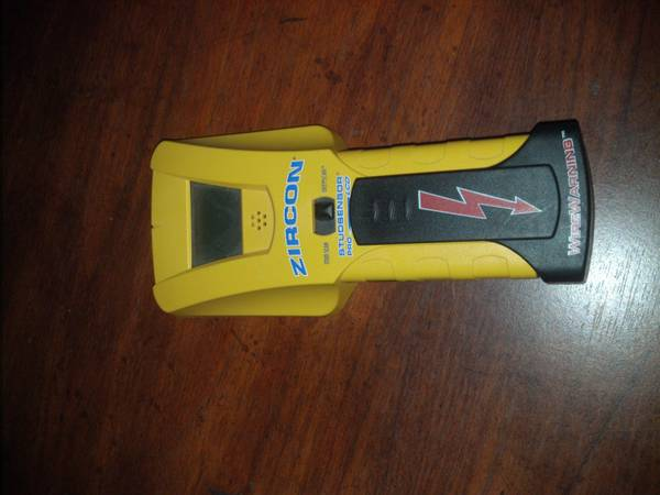 Zircon studsensor pro LCD with deepscan stud finder - $20 (Visalia)