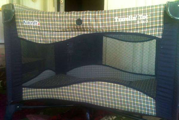 Baby play yard Kolcraft Travelin Tot used - $30 (Woodlake, Visalia)