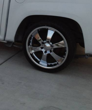 20 rims and new tires 6 lug Chevy (Tulare)