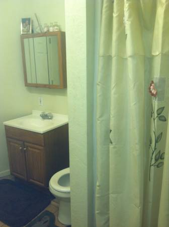 - $400 140ftsup2 - Room for rent