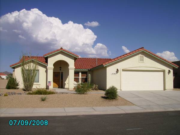 - $500 1550ftsup2 - Room for Rent, Furnished Upscale Home (Foothills-Mesa Del Sol)