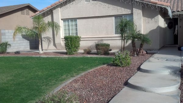 $300 room for rent (Ocotillo housing development)