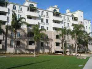 - $950 1br - 1400ftsup2 - 3 Months Lease-Fully Furnished, Luxury Apt. with bathroom (UTC La Jolla)