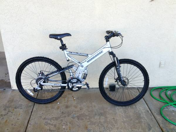 Mongoose Blackcomb Mountain Bike - $250 (Yuma)