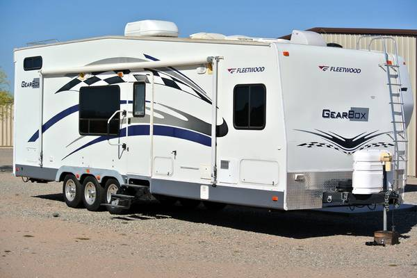 Toyhauler 2006 trailer 30 Ft - $19900 (Wellton)