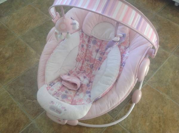 Comfort harmony pink baby bouncer - $20 (Pacific ave Walmart)