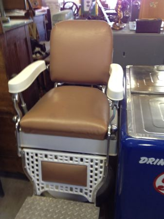 1940S 50S BARBER CHAIR- KOKEN (Yuma, Az.)